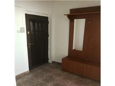 Apartament 3 camere Palas 65mp