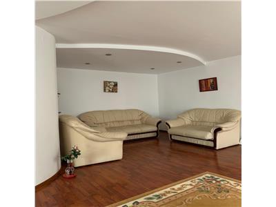 Apartament cu 3 camere 107mp Rond Vechi 400E